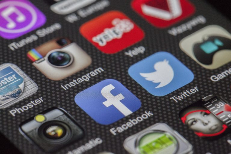 10 Tips To Make Employees Use Social HRMS